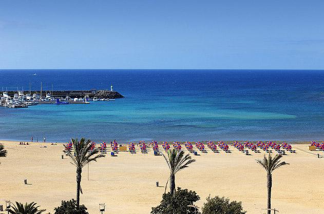 caleta-de-fuste-fuerteventura-beach